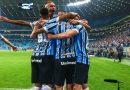 Grêmio vence Atlético PR e segue no G4