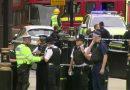 Motorista é detido após atingir barreira no Parlamento britânico e deixar feridos