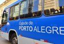 Criminosos atiram e colocam fogo em ônibus no bairro Mário Quintana, em Porto Alegre