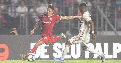O Inter perdeu para o São Paulo por 2 a 1, e a vaga para a Libertadores será definida no domingo
