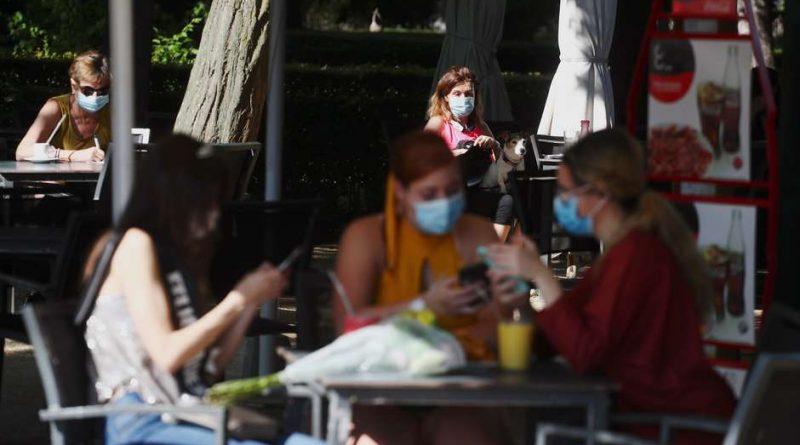 Máscara obrigatória ganha terreno na Europa por causa do coronavírus