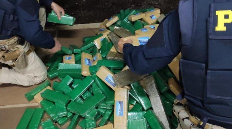Polícia Rodoviária Federal intercepta comboio de veículos com 152 quilos de maconha em Lagoa Vermelha