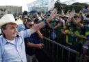 """Bolsonaro critica os """"idiotas do fique em casa"""" e mira revés no Congresso Nacional"""